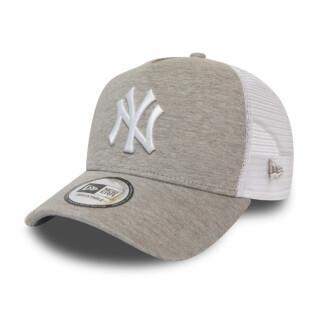 Casquette New Era Yankees Trucker Essential